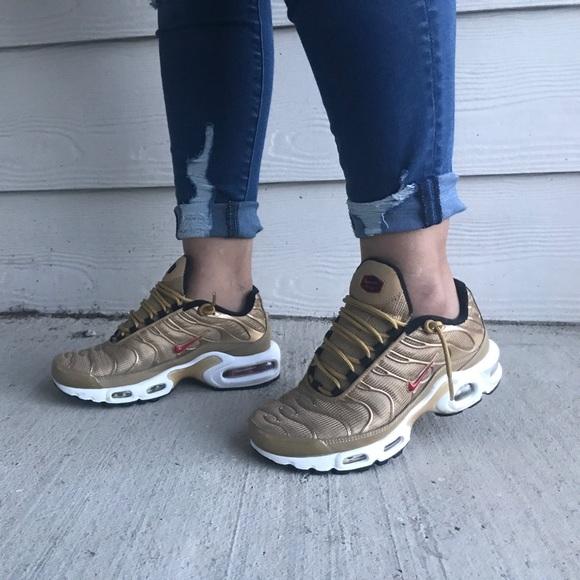 **WORN ONCE** Women's Nike Air Max Plus NWT