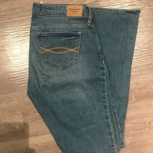 Abercrombie & Fitch Bootleg Jeans 4R 27