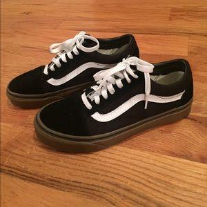 1a537e8a245 Vans Shoes - Vans old skool low skate shoes black gum sole