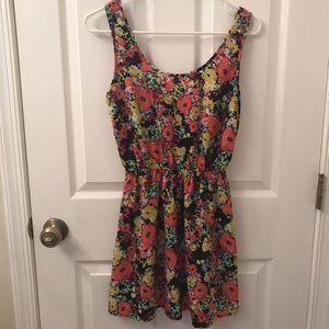 Dresses - Sleeveless Floral Sundress