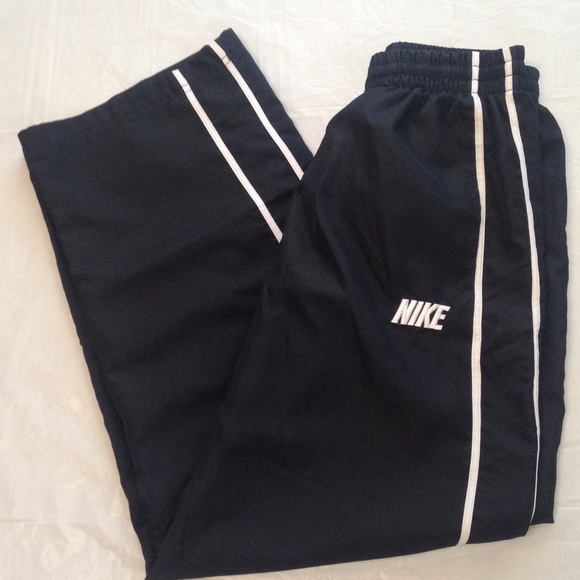 74a42b25a784 Youth Boys Nike windbreaker pants. M 599d80f7bcd4a7795b00379b