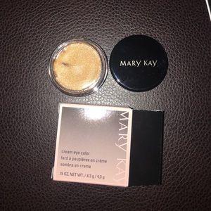 Mary Kay cream eyeshadow (Iced Cocoa)