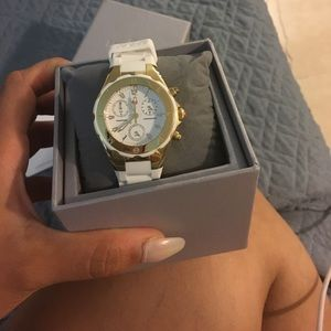 Michele Accessories - ❗️1 hour sale❗️Michele white and gold rubber watch