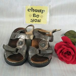 Shoes - FINN COMFORT SHOES. SIZE 7
