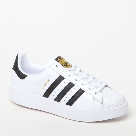 f9d25ba0c0e4 Authentic Adidas Superstar Bold Size 6