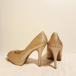 Steve Madden Shoes - STEVE MADDEN GLITTER  PUMPS