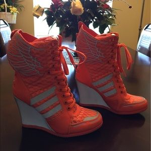 super popular 9b0a4 9000b adidas Shoes - 100% AUTHENTIC Adidas Originals Jeremy Scott