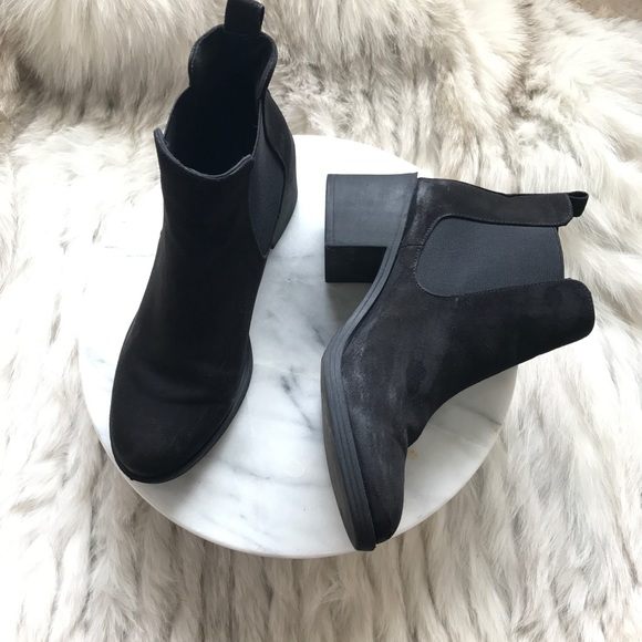 Divided Hm Black Suede Ankle Boots