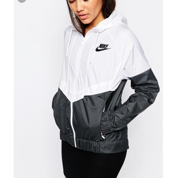 eea5f76c1536 Nike Windrunner Hooded Zip Up Jacket. M 599dd50d41b4e0b4e5017549