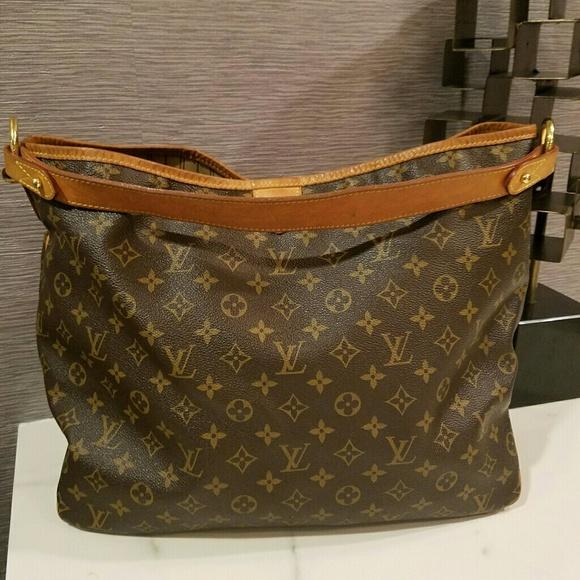 ee7865b022b Louis Vuitton Handbags - Authentic LOUIS VUITTON Monogram Delightful MM