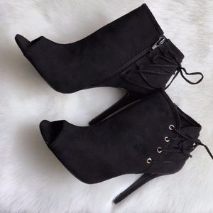 Shoes - HP‼️ Noemi Lace Up Accent Peep Toe Bootie