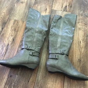 Madden Girl Womens Zilch Taupe Motorcycle Boots
