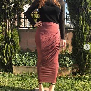 Dresses & Skirts - RUSTY ROSE SKIRT 🎀