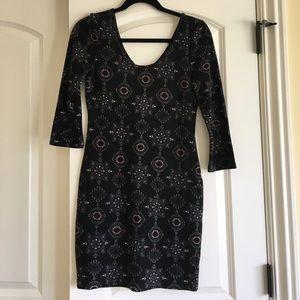 Dresses & Skirts - Super cute printed LBD