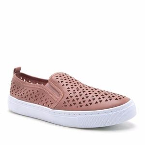 Shoes - SALE‼️ HP! Roya Slip On Sneakers MAUVE