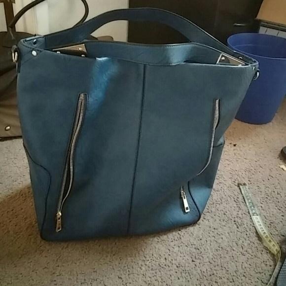 73f9bb76c42f JustFab Handbags - Very big bag used it few times only its really big