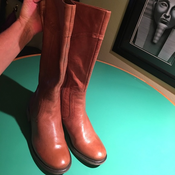 36664b07630 Latigo Tan Leather Tall Low Heeled Boots sz 8