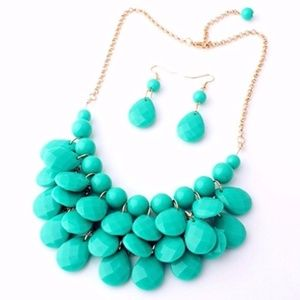 🎉🎉Statement Necklace+Earrings