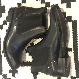 TWO 24 by Ariat Black Leather Short Benissa Bootie