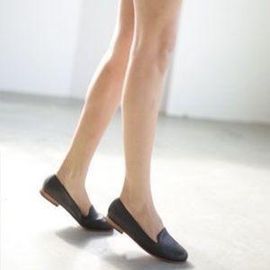 Nisolo Women's Smoking Shoe in Black Size 9