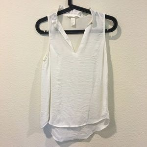 H&M Conscious white v neck blouse