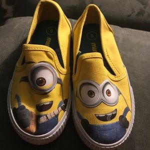Other - Minion toddler shoes