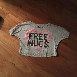 Tops - Free hugs t-shirt