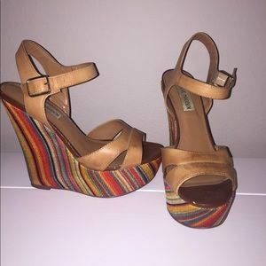 Steve Madden tribal wedges Size 7