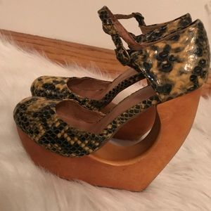 Sexy Jeffry Campbell animal print heels size 7
