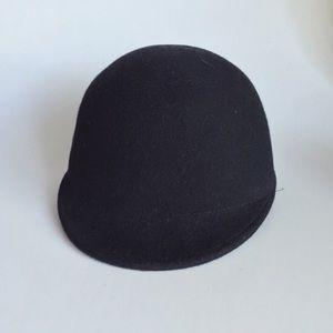 Equestrian Style Wool Cap