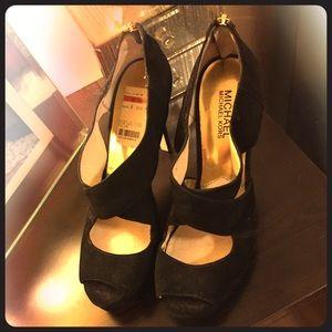 Gorgeous evening sandals