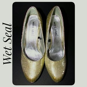 Wet Seal New With Defects Gold Sequin Pumps 8M