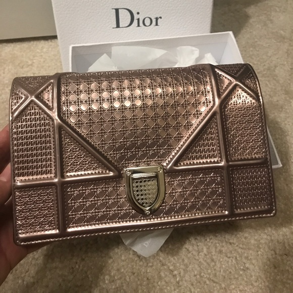 c39ab589c2 Diorama Wallet on Chain Rose gold-tone metallic