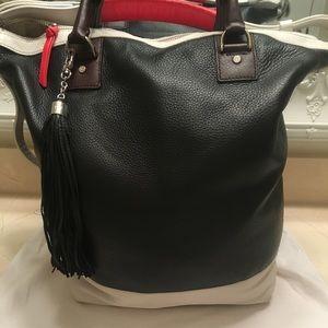 NWOT - DVF large leather shoulder crossbody bag
