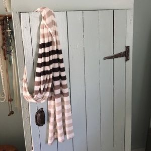 Accessories - Cream and browns scarf