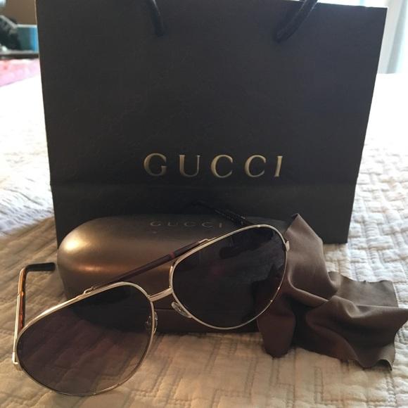 b1d9fa164c8 Gucci Accessories - 100%Authentic Gucci 1933 S unisex Aviator shades