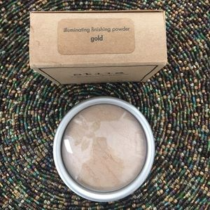 Stila Makeup - NEW Stila Illuminating Finishing Powder