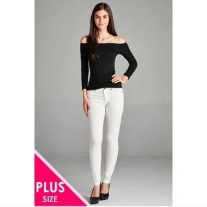 ➕ White Skinny Jeans