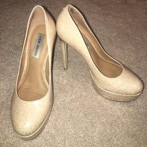 Shoes - Steve Madden Beige Heels