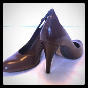 🆑 🚺 ENZO ANGIOLINI Brown Leather Pumps / Heels