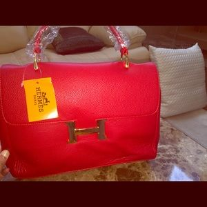 Handbags - 🔥Designer Handbag NWT Red Gold