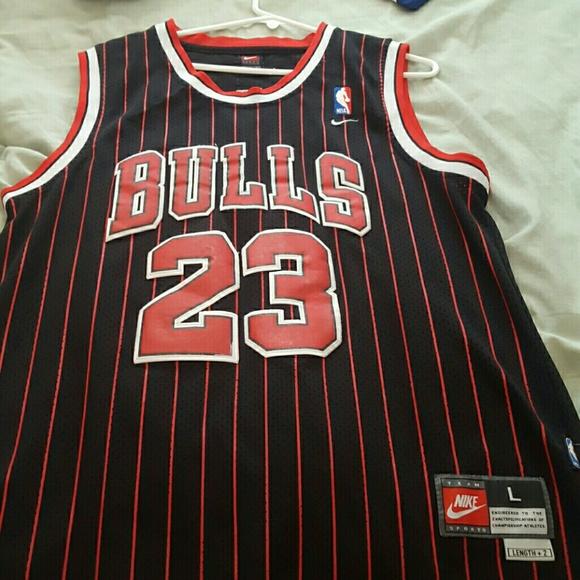 timeless design 00f74 7cc4b Jordan Retro #23 Chicago Bulls Jersey