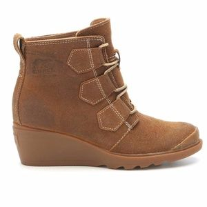"""Sorel Wedges Boots """"Toronto"""" Suede Hiking Size 7.5"""