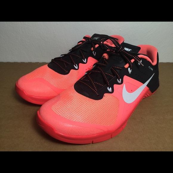1e7b33ad7dc36 Nike Metcon 2 Athletic Cross Training Shoes Peach.  M 599f40bc713fdefcda000eea