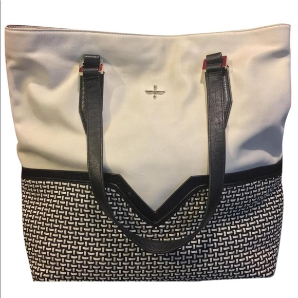 a6afb339346f ... woven leather large tote bag. Pour La Victoire.  M 599f437b9c6fcf9624001e9b. M 599f437d56b2d6bbc7000de0.  M 599f437ff09282809b0016ac