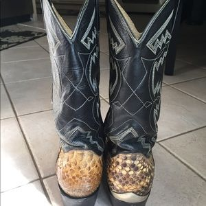 95dc7e73570 Cowtown Rattlesnake Cowboy Boots