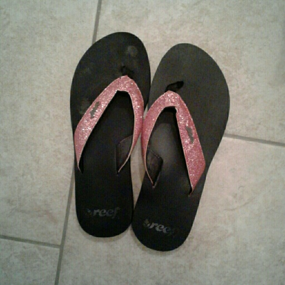 1be98d8e6beb7e Reef pink black flip flops. M 599f58b8620ff7bd18006fcd