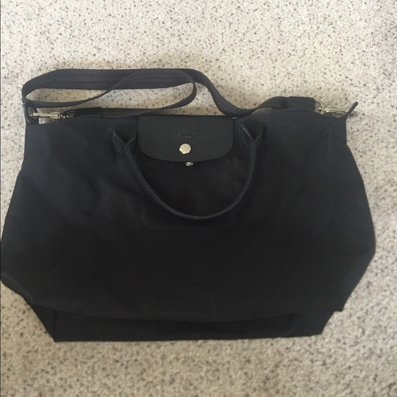 50036fc018 Longchamp Handbags - LongChamp Black Sling Bag