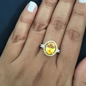 Jewelry - Yellow rhinestone halo Art Deco style ring