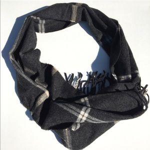 Jos. A. Bank 100% cashmere men's scarf.
